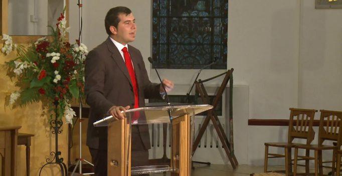 02 Aug 2013: Alba ca zapada si cei sapte farisei: Tyrannosaurus Adventist – Alex Mareniuc